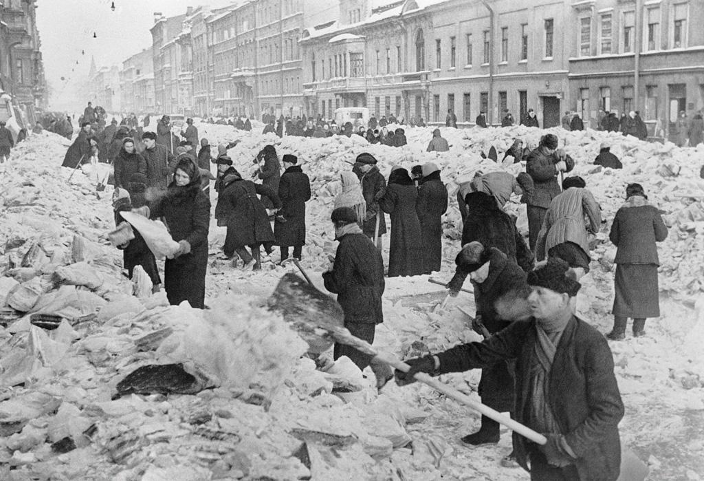 Leningrad, 1942